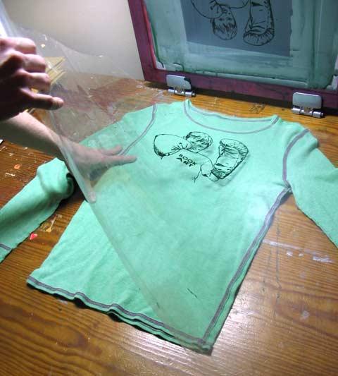 how to silk screen, how to screenprint :: Finecraftguild.com