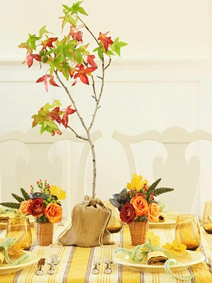 thanksgiving dinner table center piece