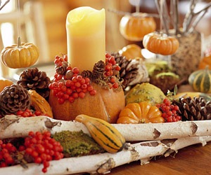 thanksgiving dinner table center piece