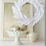 Making a Paper Holiday Wreath