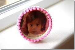 baby food jar picture frame
