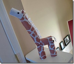 Recycled Cool Crafts for Kids giraffe