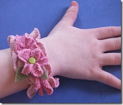 Cool Crafts for Kids :: 50+  Recycled DIY
