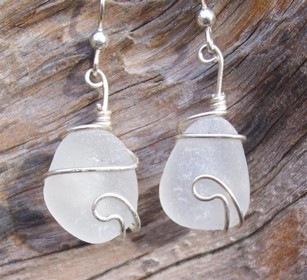 seaglass earrings  :: beaded jewelry :: FineCraftGuild.com