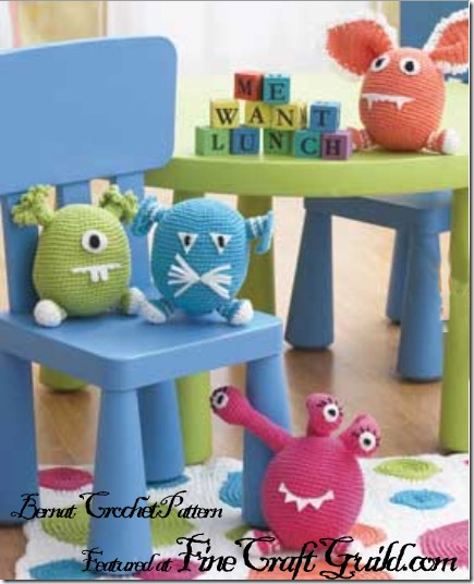 FREE Monster Crochet Patterns - The Lavender Chair | 536x435