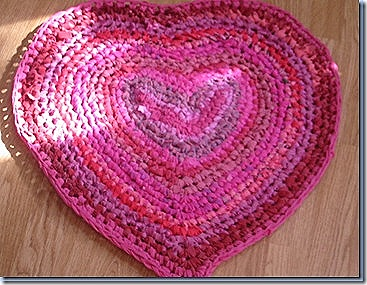 heart  crochet rag rugs