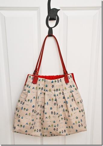 pleaded_bag_u-handbag
