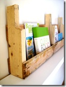 recycled pallet furniture :: wall bookshelves