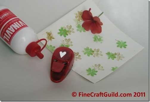 st patrick's day crafts :: free shamrock stamp