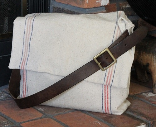 Burlap Messenger Bags - by crafty cpa blogspot