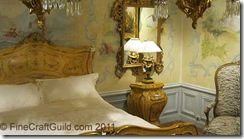 Italian_antique_bedroom_par