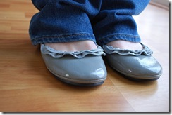 zipper adorned ballerina flats :: free DIY tutorial