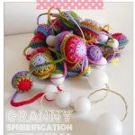 Free Crochet Pattern: Garland with Balls