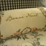 Howto: Bolster Pillow with Romantic Print