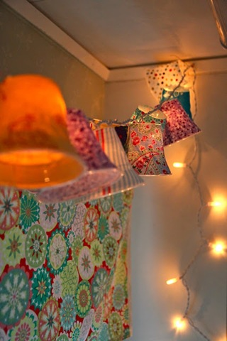 DIY Kids Furniture :: Darling Bedroom Lighting