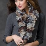 swirl_yarn_scarf_knitting_pattern.jpg