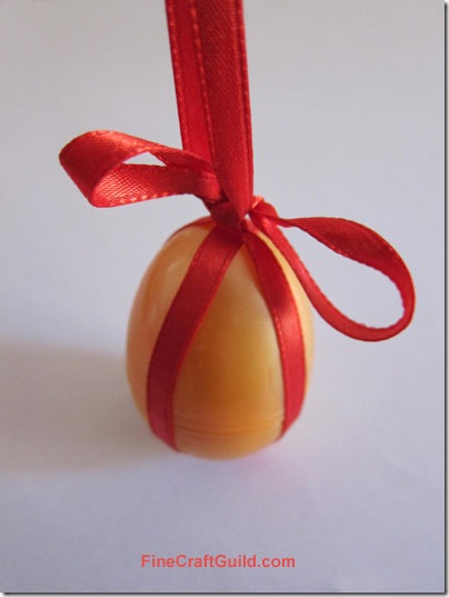 Easter Decorations: Eggs as Tablecloth Weights