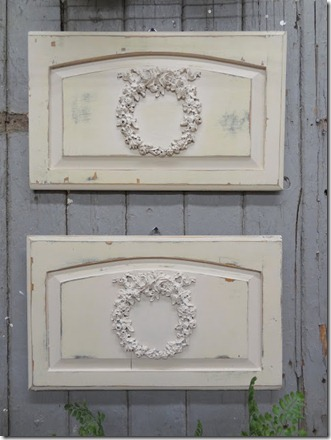 white_wreath_wall_art