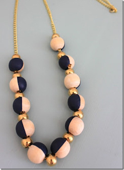 wooden_bead_necklace