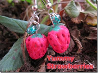 strawberry_bead_earrings