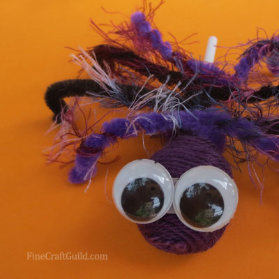 Hairy DIY Halloween candy spiders