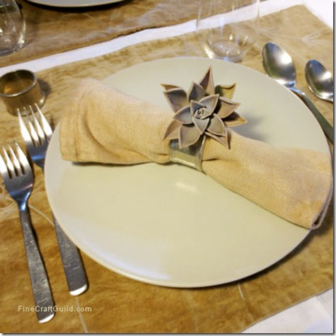 thanksgiving dinner table setting