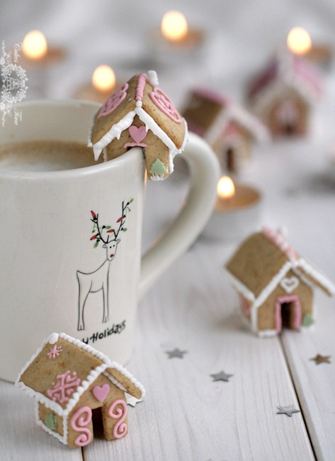Mini Gingerbread Houses on Cups