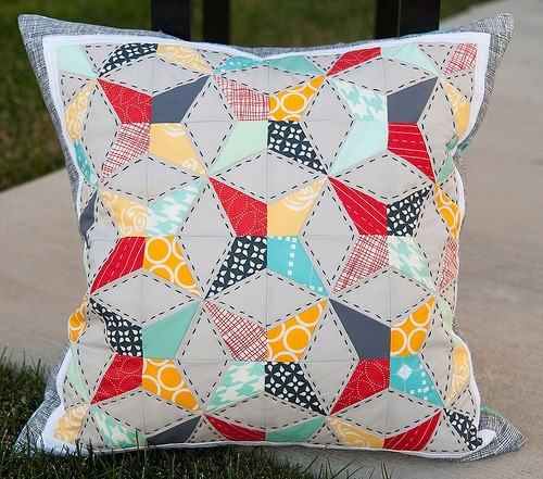Decorative Pillows – Kaleidoscope Quilt Pattern