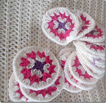 crochet_rosettes_bag_wip