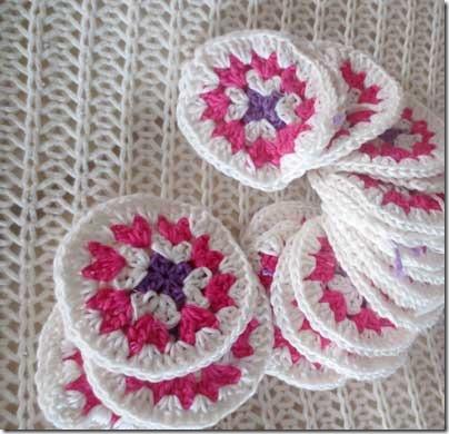 crochet_rosettes_bag_wip