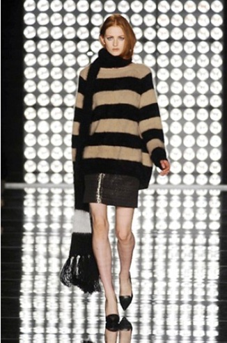 Sweater dress from the Les Copains fashion collection for Fall-Winter 2013-2014