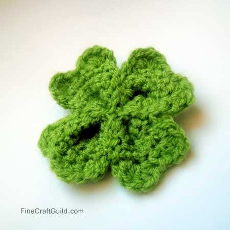 St patricks day crafts, shamrock crochet pattern