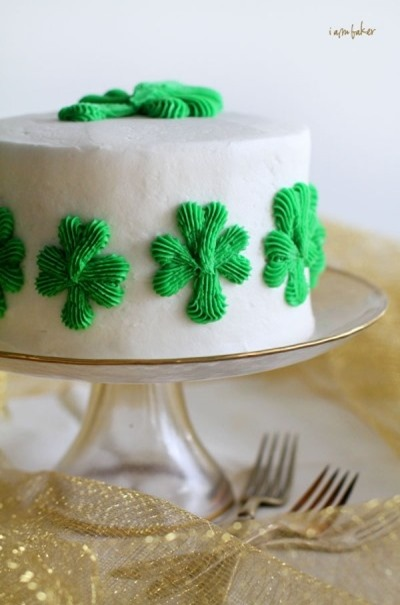 1 of 12 wonderful St Patricks day recipes :: Shamrock cake
