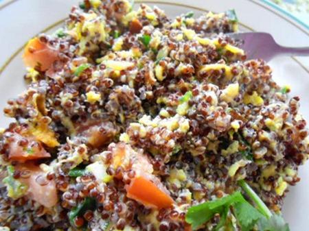 healthy recipes: quinoa scrambled eggs breakfast recipe