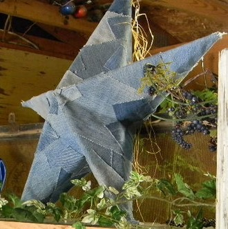 recycled jeans into DIY star  :: FineCraftGuild.com