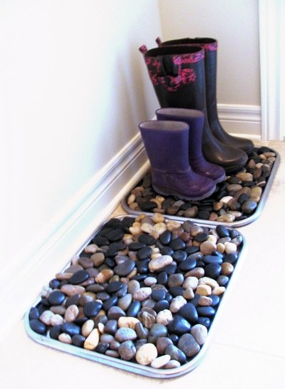 DIY rocks mat - put those found river rocks to good use