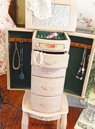 recycled furniture :: vintage vanity makeover