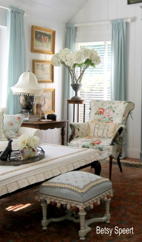 How to Create a Flow of Color and Pattern in a Home