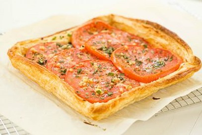 tomato mozzarella tarte recipe :: summer recipes  :: FineCraftGuild.com