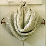 Herringbone Infinity Scarf :: Free Knitting Pattern