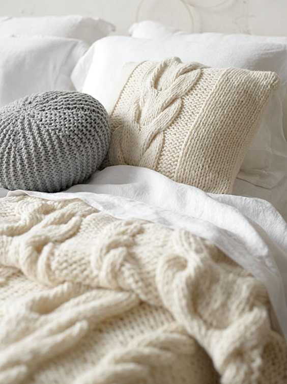 Knitting Patterns For Cushions And Throws : Free Cushion Knitting Pattern with Cable
