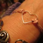DIY Heart Friendship Bracelets make lovely Valentines Gifts