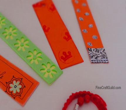 Learn how to Make Beautiful Striped Bookmarks :: FineCraftGuild.com
