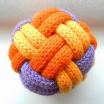 Free Knitting Pattern :: Decorative Toy Balls