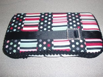 baby gifts :: diaper wipe box cover quilting pattern