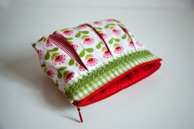 Quilted Pleated Toiletry Bag Pattern