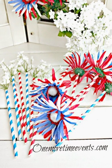 Fourth of July Straws with flowers