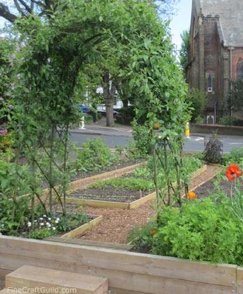 curbside_vegetable_garden_1