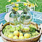 Lemonade-bottle-use-centerpiece.jpg