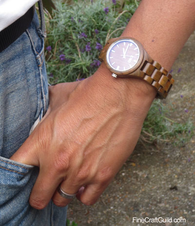 wooden_watch_strap_adjusted